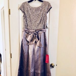 NWT dusky purple evening gown